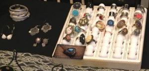 Bagues et bijoux créés par